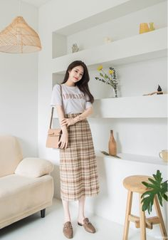 Look gorgeous, beautiful, and cool Korean Casual Outfits, Modest Outfits, Classy Outfits, Korean Skirt Outfits, Harajuku Fashion, Ootd Fashion, Modest Fashion, Korean Fashion Trends, Korea Fashion