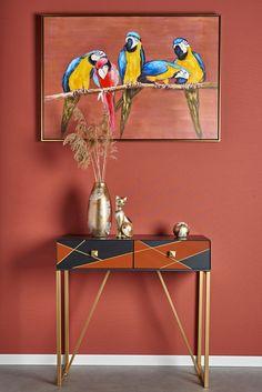 Meuble console en métal avec 2 tiroirs de rangement. Fabriquée en métal, cette console présente un aspect design idéal pour une décoration contemporaine. Les lignes graphiques et le mélange de couleurs en font un meuble artistique qui s'intègre dans des intérieurs décorés avec goût. Dimensions : 80 x 33 cm. La console de la collection MONS se marie parfaitement avec les autres meubles de la même collection, à découvrir chez Pier Import !