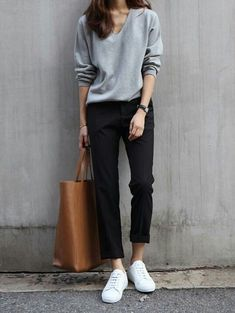 Fall trends | Minimal grey sweater, black pants, sneakers, handbag