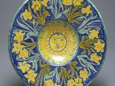 Della Robbia: Circular plaque - Sun and Daffodils Williamson Museum and Art Gallery