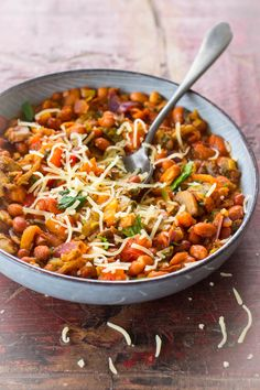 Vegetarian chili sin carne recipe - January is a depressed month for me. After all the party violence, it is suddenly back to normal. Good Healthy Recipes, Veggie Recipes, Lunch Recipes, Vegetarian Recipes, Vegetarian Chili, Chili Sin Carne, Low Carb Brasil, Go Veggie, Feel Good Food