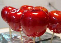 Aquí les dejo la Receta: Manzanas confitadas o Acarameladas ^^         Ingredientes: 4 manzanas rojas o verdes (depende de cuantas quieres h...