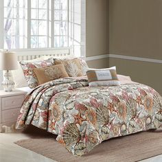 Whether styling for a beach house, or using as a master room staple, this intricate cotton coastal quilt radiates tropical vibes with its neutral tones and reversible coral stripe. The Brushed Ashore Quilt Set features a durable Vermicilli stitc Coastal Quilts, Coastal Bedding, King Quilt Sets, Queen Quilt, Quilted Pillow Shams, Quilted Bedspreads, Linen Bedroom, Master Room, Twin Quilt