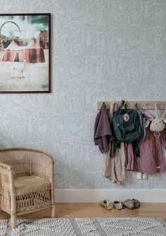 Gorgeous Vintage children's rooms with a very special bed Gorgeous Vintage children's rooms with a very special bed – Paul & Paula Scandinavian Kids Rooms, Creative Kids Rooms, Bedroom With Bath, Cute House, Kid Spaces, Kid Beds, Vintage Children, Interior Design, Interior Ideas