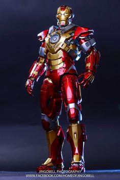 OSR: Iron Man 3: Heartbreaker / By Bloggers (DICK PO, JINGOBELL, PETER PHUAH, PLASTIC ENEMIES, OMG) Marvel Heroes, Marvel Avengers, Marvel Dc Comics, Iron Man Pictures, Iron Man Art, Iron Man Movie, Avengers Series, Iron Man Avengers, Iron Man Wallpaper