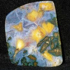 Agate from Argentina. holy smokes it looks like a van gogh! Minerals And Gemstones, Rocks And Minerals, Stones And Crystals, Gem Stones, Beautiful Rocks, Rock Collection, Mineral Stone, Rocks And Gems, Statues