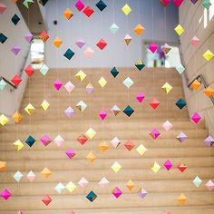 16 Origami Pieces to Buy or DIY for Your Home DIY this origami garland for your next party. Party Girlande, Craft Projects, Projects To Try, Weekend Projects, Valentines Day Weddings, Paper Crafting, Party Planning, Party Time, Diy And Crafts