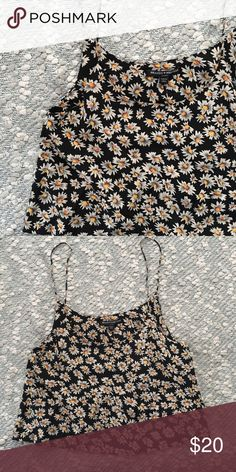 Brandy Daisy Crop Adorably cropped & flowy daisy top from Brandy Melville.   - Size: OS. Fits an XS/S best. - Price is firm ❕ Brandy Melville Tops Crop Tops