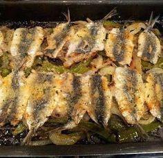Sardinas Asadas receta casera Crawfish Recipes, Seafood Recipes, Mexican Food Recipes, Squid Recipes, Tilapia Recipes, Kitchen Recipes, Cooking Recipes, Basque Food, Grilled Sardines