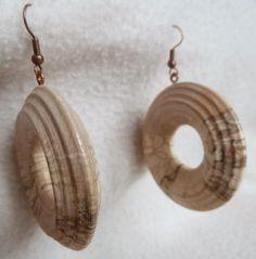 Bois tourné sculpté et bois flotté.: Deuxième fournée encore plus originale de boucles d'oreilles tournées en cerisier