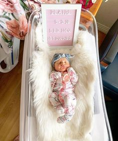 Fantastic baby arrival information are offered on our site. Have a look and you wont be sorry you did. Baby Hospital Pictures, Cute Baby Pictures, Baby Kind, Baby Love, Baby Baby, Foto Baby, Fantastic Baby, Everything Baby, Baby Sleep