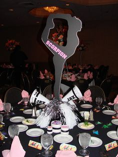 Totally doing this for my future daughters sweet 16 (..because of course she will be a cheerleader) Cheer Camp, Cheer Dance, Cheer Coaches, Cheer Decorations, Cheerleading Decorations, Cheerleading Crafts, Cheer Gifts, Cheer Bows, Cheerleader Party
