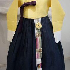 시어머님께서 맞춤하신 명주한복입니다. #풍경한복 #맞춤한복 #한복 #혼주한복
