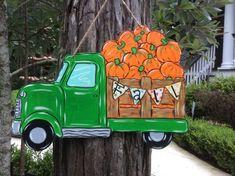 new Ideas painted door hangers ideas fall pumpkins Halloween Classroom Decorations, Fall Door Decorations, Spooky Decor, Fall Door Hangers, Burlap Door Hangers, Autumn Painting, Fall Paintings, Rock Painting, Red Truck Decor