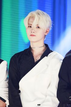 Thick And Thin, My Eyes, Rapper, Thats Not My, Short Hair Styles, Kpop, Hairstyles, Beauty, Twitter
