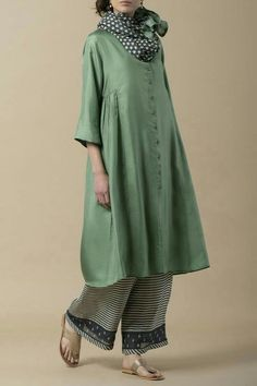 Terrific No Cost lagenlook Sewing patterns Concepts 32 Trendy sewing patterns lagenlook linen dresses Pakistani Dresses, Indian Dresses, Indian Outfits, Indian Attire, Indian Wear, Simple Dresses, Casual Dresses, Hijab Fashion, Fashion Dresses