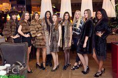 Fur Fashion, Womens Fashion, Group Shots, Evening Gowns, Fur Coat, Furs, Jackets, Nice, Fur