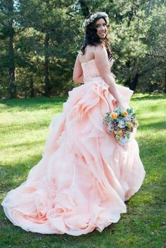 T&G wedding love the bottom part of this dress Non White Wedding Dresses, Colored Wedding Dress, Custom Wedding Dress, Wedding Outfits, Diy Wedding Inspiration, Wedding Ideas, Marry Me, Beautiful Gowns, Getting Married
