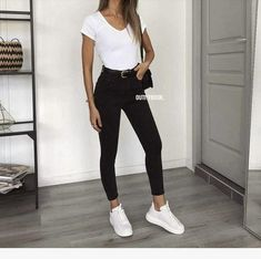 Outfit inspiration, have the jeans and jacket! – Inspire your outfit, jeans and jacket! Teenager Outfits, Uni Outfits, Cute Casual Outfits, Mode Outfits, College Outfits, Everyday Outfits, Spring Outfits, Fashion Outfits, White Outfits
