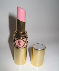 YSL lingerie pink lipstick by riczkho YSL Dessous rosa Lippenstift von Riczkho Beauty Essentials, Beauty Hacks, Love Makeup, Hair Makeup, Makeup Lips, Pink Makeup, Maybelline, Ysl Beauty, Beauty Room
