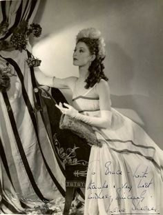 Moira Shearer  ( If you want to follow the new board: Vestidos de película IV)