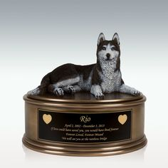 Husky Figurine Cremation Urn - Engravable Moonshine Still Kits, Copper Moonshine Still, Memorial Urns, Memorial Stones, Queen Size Futon, Pet Cremation Urns, Small Urns, Human Ashes, Living Room Area Rugs
