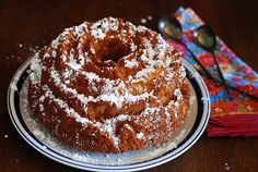 Apple cinnamon rose bundt cake