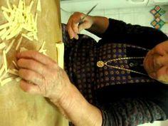 [3] Nonna preparara la pasta fatta a mano - YouTube Pasta, 3, Youtube, Youtubers, Youtube Movies, Pasta Recipes, Pasta Dishes