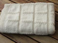 Coperta bianca in lana - Copertina ai ferri fai da te.