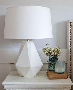 5 Dazzling Modern Bedside Table Lamps