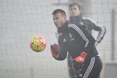 Juventus, i giocatori si allenano nel campo invaso dalla nebbia