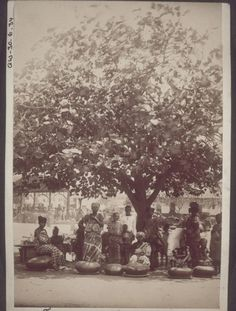 """""""Food market in Accra History Of Ghana, Traditional Homes, Accra, Our World, Gold Coast, Old Pictures, The Past, Museum, African"""