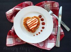 I must say, I& having a ton of fun with this heart food and I decided to make something a little fancier. Make some Chicken Parmesan Hearts and blow. Valentines Day Dinner, Valentines Food, Valentine Ideas, Funny Valentine, Valentine Recipes, Chicken Parmesan Recipes, Recipe Chicken, Baked Chicken, Crusted Chicken