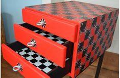 VŠECHNO   Obyčej.cz Decorative Boxes, Retro, Home Decor, Decoration Home, Room Decor, Retro Illustration, Home Interior Design, Decorative Storage Boxes, Home Decoration