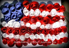 labor day crafts for kids An American Flag craft for kids. Use construction paper and lots of Elmer's glue. Fun craft to do with children to help celebrate Flag Day, D-Day, In Fun Crafts To Do, Glue Crafts, Crafts For Kids, Veterans Day Activities, Veterans Day Gifts, American Flag Crafts, American Symbols, Veterans Day Coloring Page, Labor Day Crafts