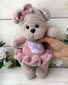 Giraffe Crochet, Crochet Teddy, Crochet Bear, Crochet Animals, Crochet Dolls, Crochet Dragon Pattern, Crochet Animal Patterns, Stuffed Animal Patterns, Amigurumi Patterns