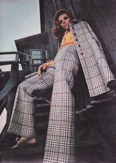 McCall's 1968 Samantha Eggar Anne Klein, shoes by Golo