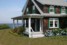 Old Cape Cod charm on the beach in charming Sippewissett in Falmouth on Cape Cod