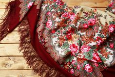Luxury Russian scarf A LA RUSSE in gipsy style / Foulard A LA RUSSE / Russisches Fransentuch in Gipsy-Stil
