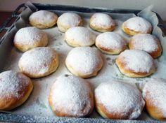 Recept na koblihy pečené v troubě krok za krokem - Vaření.cz Hamburger, Bread, Food, Brot, Essen, Baking, Burgers, Meals, Breads