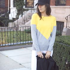 The lovely @nicoleperr of Pumps & Iron pairs her new #stitchfix sweater with white denim and a baseball hat for a casual chic weekend look.