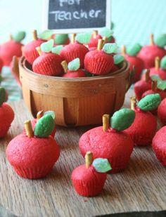 Munchkin Munchies: 3D Sugar Cookie Apples for the Teacher