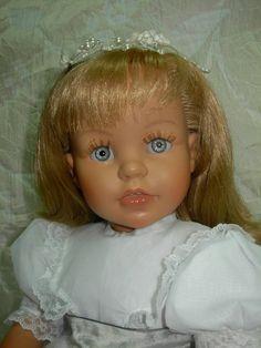 Mis famositas bonitas y otras....: Elegante muñeca Elia Miel de Abeja (Mariquita Pére...