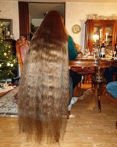 Long Locks, Very Long Hair, Beautiful Long Hair, Layered Cuts, Female Images, Blonde Hair, Long Hair Styles, Hair 24, Long Blond