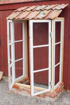 Garden Projects, Garden Tools, Dream Garden, Home And Garden, Garden Wallpaper, Small Greenhouse, Old Window Greenhouse, Old Windows, Diy Garden Decor