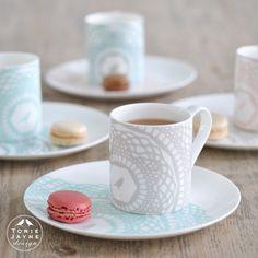 Enjoy a cup of tea in true British style in the beautifully designed 'Maisy' fine bone china mug.