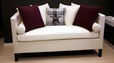Chill sofa passer som diningsofa. Høy og behagelig å sitte i. www.krogh-design.no Chill Sofa, Dining Room, Couch, Throw Pillows, Bed, Furniture, Home Decor, Dinner Room, Cushions
