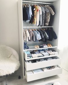 DIY baby room DIY Babyzimmer babyzimmer DIY The post DIY baby room DIY Babyzimmer babyzimmer DIY appeared first on Kinderzimmer Dekoration. Baby Room Diy, Baby Boy Rooms, Baby Bedroom, Baby Room Decor, Baby Boy Nurseries, Nursery Room, Diy Baby, Kids Bedroom, Girl Nursery