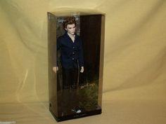 JASPER TWILIGHT SAGA BARBIE PINK LABEL 2012 #Y5190 SUMMIT MATTEL STAND VAMPIRE #Mattel