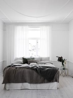 5 Tenacious Tips: Minimalist Interior Kitchen Black White minimalist bedroom curtains grey.Minimalist Home Living Room Beds minimalist home tips modern.Minimalist Bedroom Budget Tips. White Bedroom, Interior, Home, Home Bedroom, Bedroom Interior, Minimalist Bedroom, Modern Bedroom, Interior Design, Minimal Bedroom
